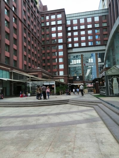 UB-city-mall-in-bangalore-restaurants-pubs-images