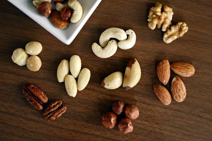 Dry-fruits-food-combinations-to-lose-weight